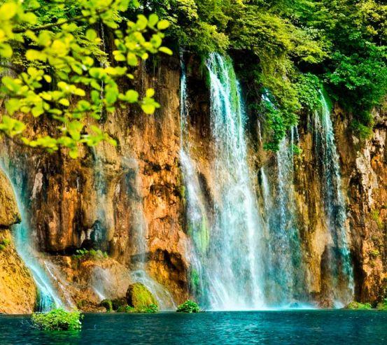 Фотообои Течет вода, скалы 0339