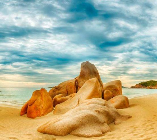 Фотообои Пляж с камнями 8802