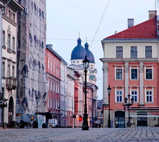 Фотообои Львов, площадь 11910