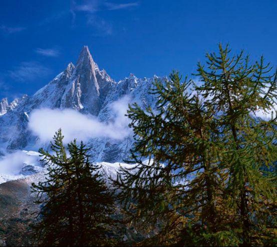 Фотообои Небо, гора, ёлки 0377