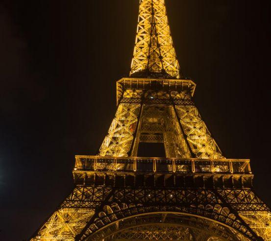 Фотообои Эйфелева башня в огнях 21158