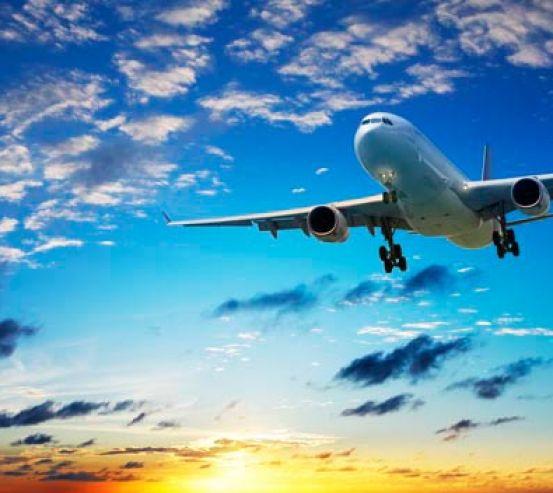 Фотообои Самолет в облаках 7607