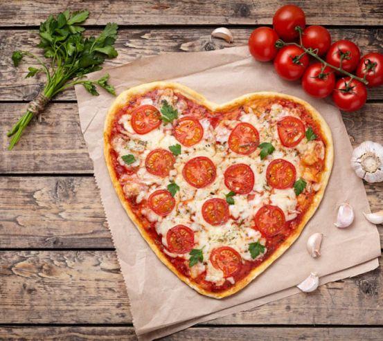 Фотошпалери Піца у вигляді серця 25089