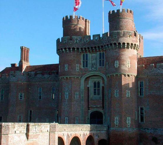Фотообои Замок в Америке 0172