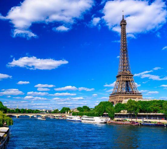 Фотообои ярко-синее небо Парижа 21385