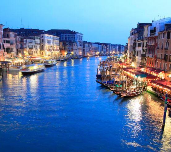Фотообои Кафе у воды, Венеция 7859